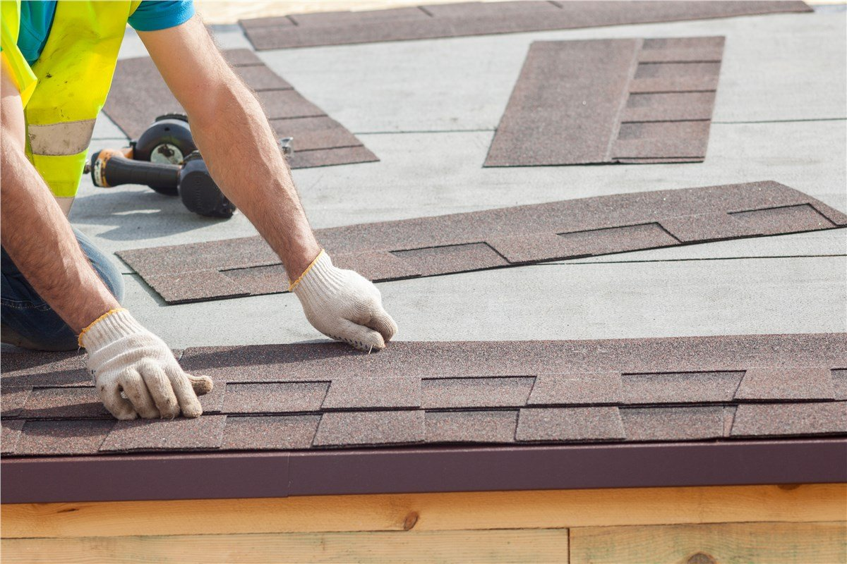 Layton's best roofers and skylights